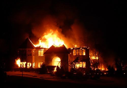 Tips Mencegah Kebakaran di rumah